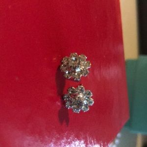 Jewelry - Flower petal bling studs